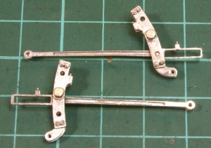 Expansion link and radius arm built